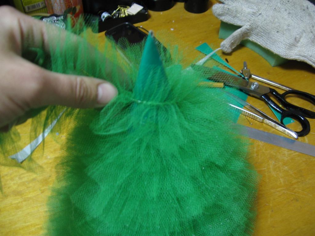 Как сделать елочку из фатина своими руками